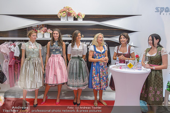 Aufdirndln für die Damenwiesn - Sportalm Store, Wien - Do 12.09.2019 - 41