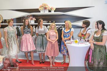 Aufdirndln für die Damenwiesn - Sportalm Store, Wien - Do 12.09.2019 - 44