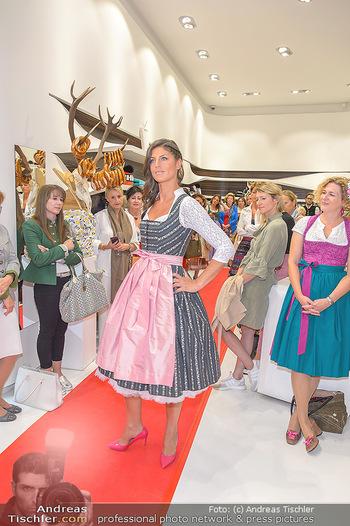 Aufdirndln für die Damenwiesn - Sportalm Store, Wien - Do 12.09.2019 - 54