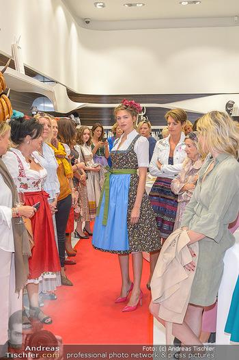 Aufdirndln für die Damenwiesn - Sportalm Store, Wien - Do 12.09.2019 - 55