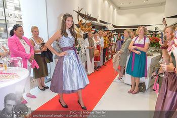 Aufdirndln für die Damenwiesn - Sportalm Store, Wien - Do 12.09.2019 - 56