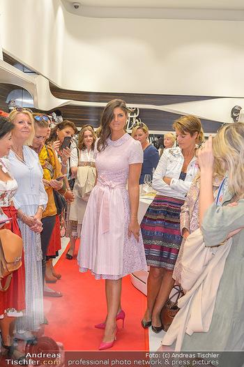 Aufdirndln für die Damenwiesn - Sportalm Store, Wien - Do 12.09.2019 - 60