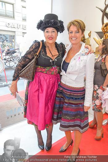 Aufdirndln für die Damenwiesn - Sportalm Store, Wien - Do 12.09.2019 - Andrea BUDAY, Martina LÖWE64