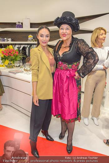 Aufdirndln für die Damenwiesn - Sportalm Store, Wien - Do 12.09.2019 - Tatjana KREUZMAYR, Andrea BUDAY66