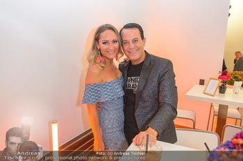 Sportalm Schauraum Opening - Palais Wessely, Wien - Di 17.09.2019 - Gregor GLANZ mit Freundin Daniela1