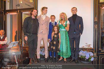 Sportalm Schauraum Opening - Palais Wessely, Wien - Di 17.09.2019 - Familie Ulli EHRLICH mit vier ihrer fünf Kinder sowie Ehemann R41
