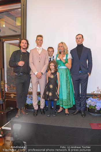 Sportalm Schauraum Opening - Palais Wessely, Wien - Di 17.09.2019 - Familie Ulli EHRLICH mit vier ihrer fünf Kinder sowie Ehemann R42