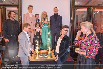Sportalm Schauraum Opening - Palais Wessely, Wien - Di 17.09.2019 - Geburtstagstorte für Elina GARANCA44