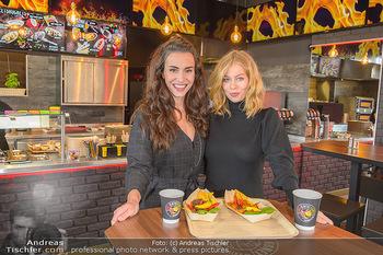 Restaurant Opening - Chili eats honey, Parndorf - Do 19.09.2019 - Kimberly BUDINSKY, Zoe STRAUB1