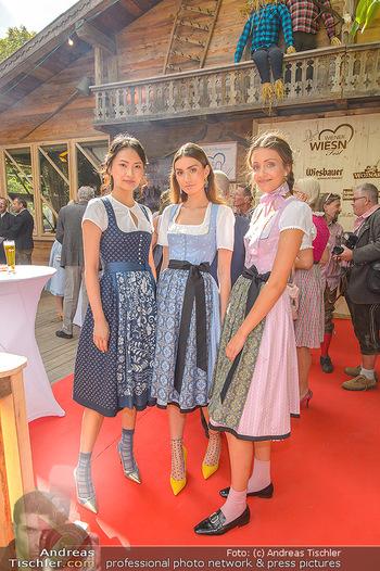Wiener Wiesn Opening - Prater, Wien - Do 26.09.2019 - Dirndln auf der Wiener Wiesn, junge Frauen, Mädchen144