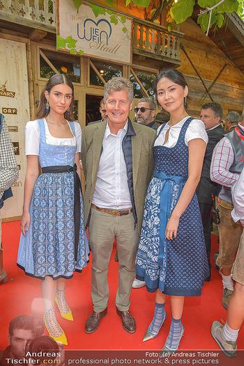 Wiener Wiesn Opening - Prater, Wien - Do 26.09.2019 - Hubertus HOHENLOHE mit Dirndln168
