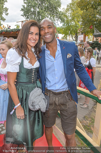 Wiener Wiesn Opening - Prater, Wien - Do 26.09.2019 - Alamande BELFOR mit Ehefrau Ianara200