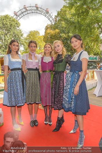 Wiener Wiesn Opening - Prater, Wien - Do 26.09.2019 - Junge Damen in Dirndln, Frauen im Dirndl336