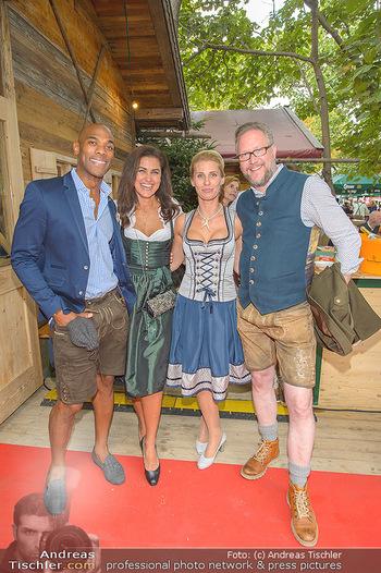 Wiener Wiesn Opening - Prater, Wien - Do 26.09.2019 - Alamande BELFOR mit Ehefrau Ianara, Oliver HOFFINGER mit Ehefrau352