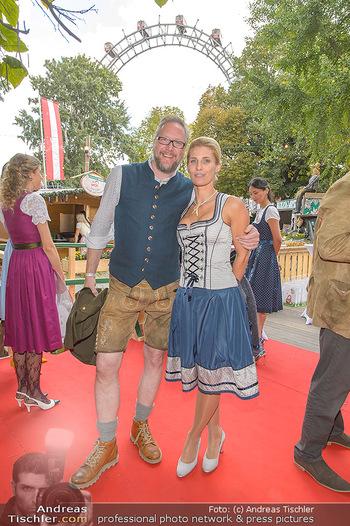 Wiener Wiesn Opening - Prater, Wien - Do 26.09.2019 - Alamande BELFOR mit Ehefrau Ianara, Oliver HOFFINGER mit Ehefrau356