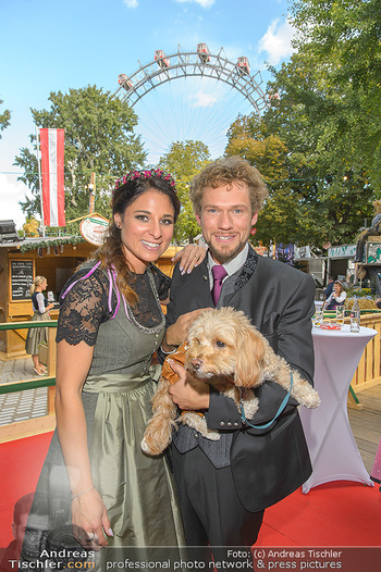 Wiener Wiesn Opening - Prater, Wien - Do 26.09.2019 - THE CLAIRVOYANTS (Amélie VAN TASS & Thommy TEN) mit Hund Mr. Ko428