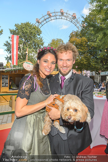 Wiener Wiesn Opening - Prater, Wien - Do 26.09.2019 - THE CLAIRVOYANTS (Amélie VAN TASS & Thommy TEN) mit Hund Mr. Ko436
