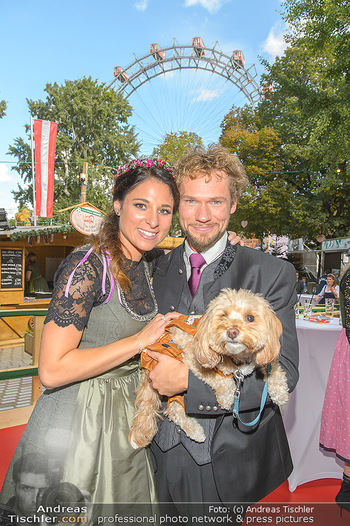 Wiener Wiesn Opening - Prater, Wien - Do 26.09.2019 - THE CLAIRVOYANTS (Amélie VAN TASS & Thommy TEN) mit Hund Mr. Ko440