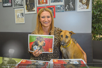Tierschutzgala - Theater Akzent, Wien - Di 01.10.2019 - Angelika NIEDETZKY mit ihrem Hund Maya3