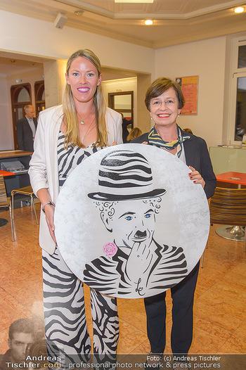 Laura Chaplin für die Caritas - Theater Akzent, Wien - Mi 02.10.2019 - Laura CHAPLIN, Doris SCHMIDAUER10