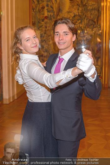 Vortanzen für den Opernball 2020 - Wiener Staatsoper - Sa 05.10.2019 - Debüdantenpaar Franz-Josef FELBER (Sohn von Doris F), Emilia BA23