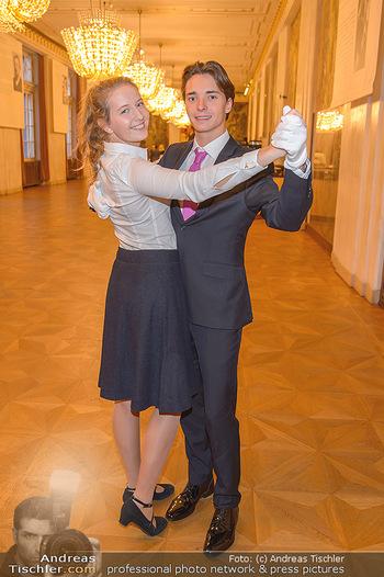 Vortanzen für den Opernball 2020 - Wiener Staatsoper - Sa 05.10.2019 - Debüdantenpaar Franz-Josef FELBER (Sohn von Doris F), Emilia BA24