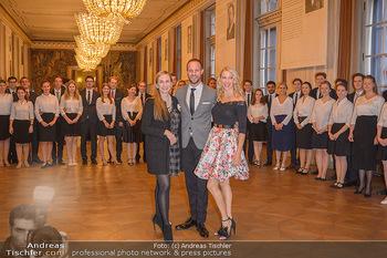 Vortanzen für den Opernball 2020 - Wiener Staatsoper - Sa 05.10.2019 - Maria GROßBAUER (GROSSBAUER), Christoph und Maria SANTNER, Deb31