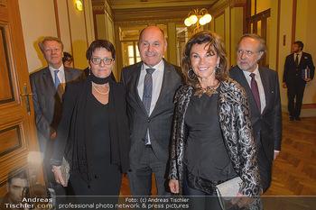 200 Jahre Erste Bank - Musikverein Wien - So 06.10.2019 - Brigitte BIERLEIN, Wolfgang SOBOTKA mit Ehefrau Marlies15