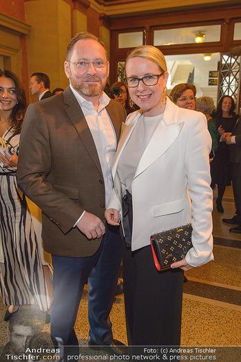 200 Jahre Erste Bank - Musikverein Wien - So 06.10.2019 - Margarete SCHRAMBÖCK mit Ehemann26