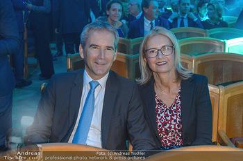 200 Jahre Erste Bank - Musikverein Wien - So 06.10.2019 - Hartwig LÖGER mit Ehefrau Claudia34