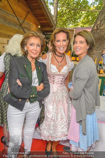 Damenwiesn - Wiener Wiesn, Wien - Do 10.10.2019 - Kathi und Gabi STUMPF mit Mutter Elisabeth44