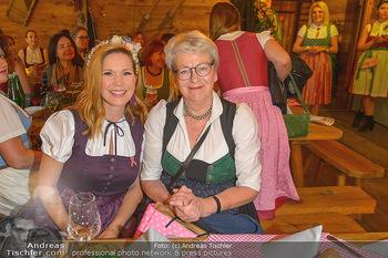 Damenwiesn - Wiener Wiesn, Wien - Do 10.10.2019 - Johanna SETZER, Gexi TOSTMANN51