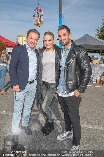 Promi Bungee Jumping - Parndorf Fashion Outlet - Fr 11.10.2019 - Kurt FAIST, Fadi MERZA, Nicole WESNER9