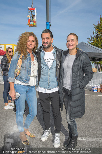 Promi Bungee Jumping - Parndorf Fashion Outlet - Fr 11.10.2019 - Eser AKBABA, Fadi MERZA, Nicole WESNER10