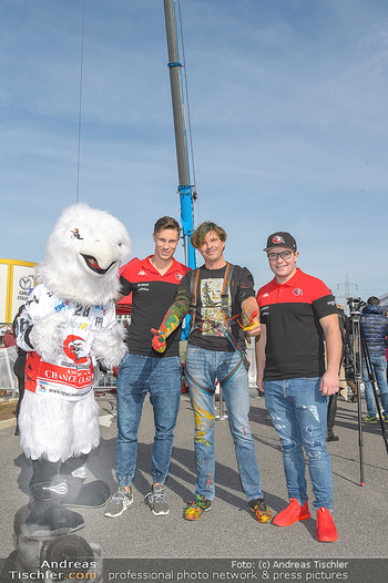 Promi Bungee Jumping - Parndorf Fashion Outlet - Fr 11.10.2019 - 13