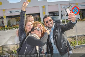 Promi Bungee Jumping - Parndorf Fashion Outlet - Fr 11.10.2019 - Fadi MERZA, Martina KAISER, Eser AKBABA, Tanja DUHOVICH, Nicole 23