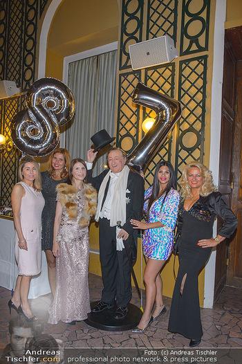 Richard Lugner 87er - Palais Auersperg - Sa 12.10.2019 - Ex-Tierchen Andrea, Daniela, Anastasia, Nina und Sonja mit Richa20