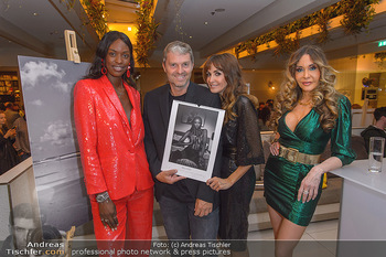 Manfred Baumann Kalenderpräsentation - Hotel LeMeridien, Wien - Mo 14.10.2019 - Layla POWELL, Manfred und Nelly BAUMANN, Dolly BUSTER24
