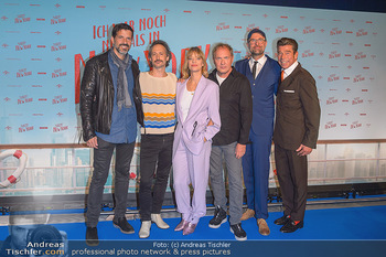 Kinopremiere ´Ich war noch niemals in New York´ - Hollywood Megaplexx Gasometer, Wien - Di 15.10.2019 - Gruppenfoto Cast Pasquale ALEARDI, Michael OSTROWSKI, Heike MAKA1