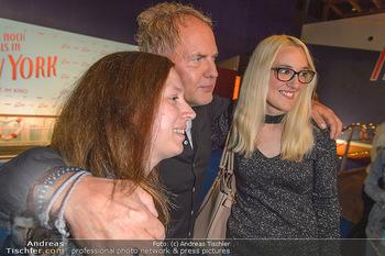 Kinopremiere ´Ich war noch niemals in New York´ - Hollywood Megaplexx Gasometer, Wien - Di 15.10.2019 - Uwe OCHSENKNECHT mit Fans96