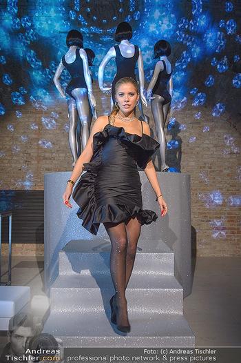 Calzedonia - a night of Glitz & Glamour - Palais Coburg, Wien - Mi 16.10.2019 - Victoria SWAROVSKI10