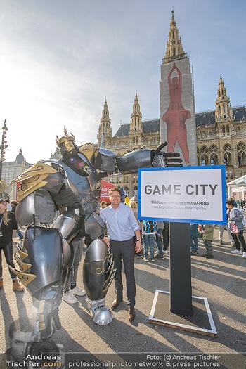 Game City Tag 1 - Rathaus Wien - Fr 18.10.2019 - Bürgermeister Michael LUDWIG und Stadtradt Jürgen CZERNOHORSZK340