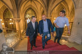 Game City Tag 1 - Rathaus Wien - Fr 18.10.2019 - Bürgermeister Michael LUDWIG und Stadtradt Jürgen CZERNOHORSZK364