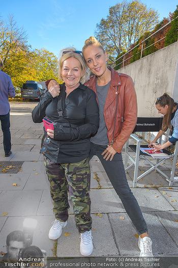 Dreharbeiten Soko Donau - Handelskai 265, Wien - Do 24.10.2019 - Brigitte KREN, Lilian KLEBOW9