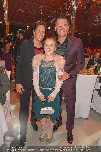 Sporthilfe Gala 2019 - Marx Halle Wien - Do 31.10.2019 - Michaela DORFMEISTER mit Tochter Lea und Freund Thomas LERCH36