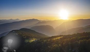Österreich in Farben - Österreich - Do 31.10.2019 - Blick von der Gerlitzen im Sonnenuntergang auf Ossiachersee, Wö2
