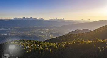 Österreich in Farben - Österreich - Do 31.10.2019 - Blick von der Gerlitzen im Sonnenuntergang auf Ossiachersee, Wö4