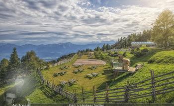 Österreich in Farben - Österreich - Do 31.10.2019 - Ausblick Natur Pool Almsee Urlaub Hotel Feuerberg Mountain Resor41