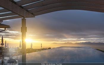 Österreich in Farben - Österreich - Do 31.10.2019 - Unendlichpook Skypool Sonnenaufgang, Gerlitzen Feuerberg Mountai48