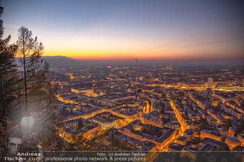 Österreich in Farben - Österreich - Do 31.10.2019 - Salzburg Stadt bei Nacht Kapuzinerberg Untersberg Landschaft Ös94
